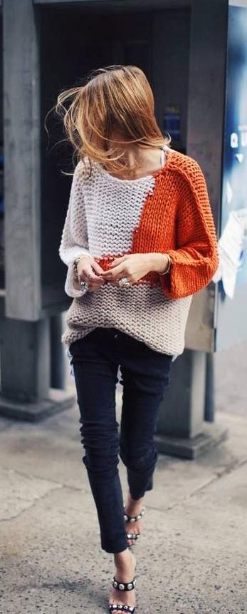TangerOutlets_orangesweater